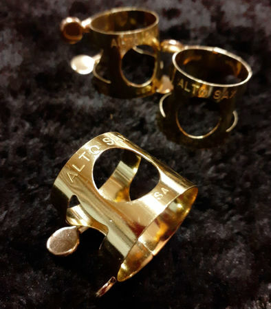 Picture of Ligature USA Alto Saxophone Brass Lacquered